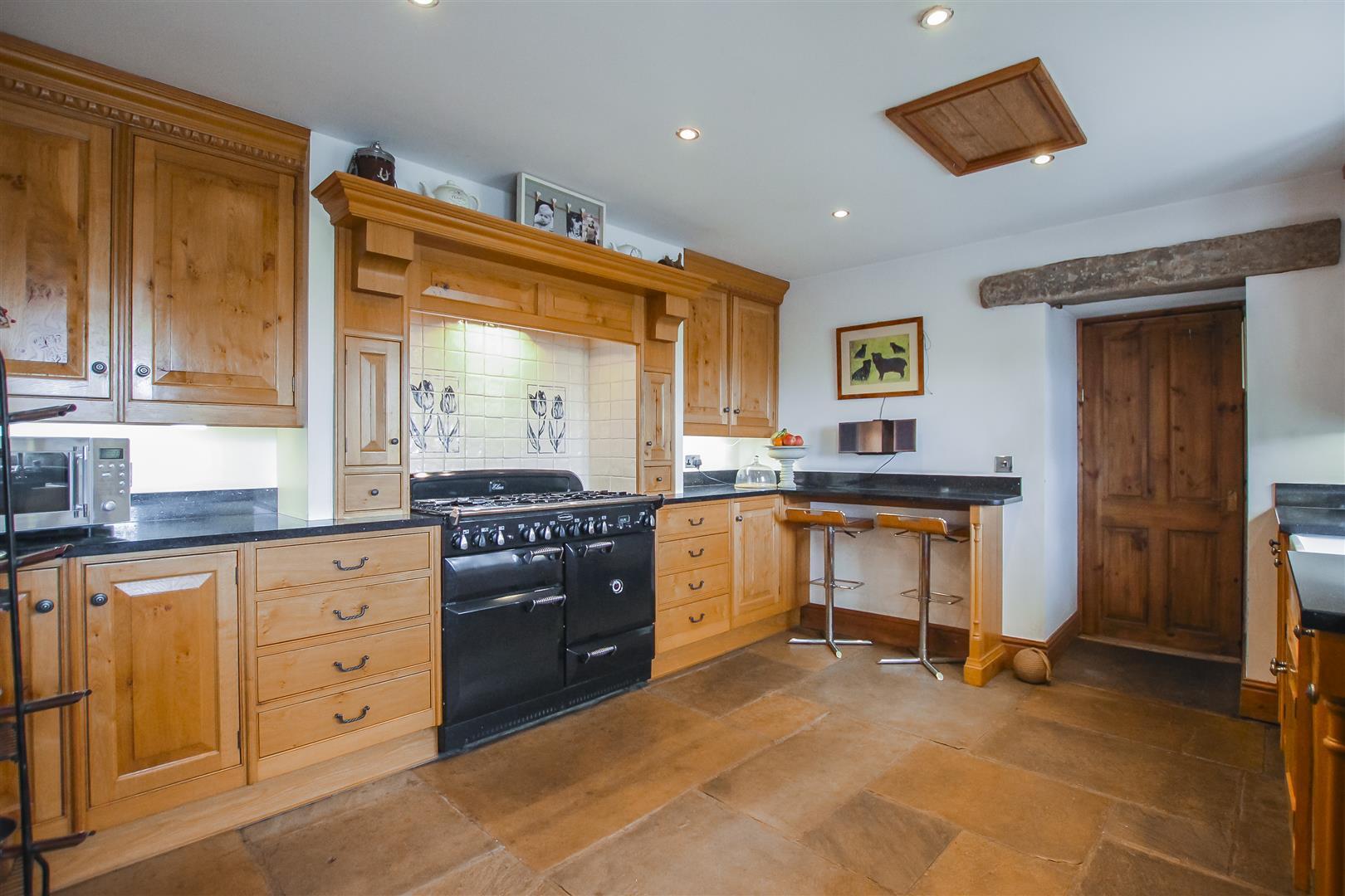 4 Bedroom Semi-detached House For Sale - Image 40